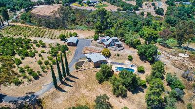 Fallbrook Single Family Home For Sale: 2101 Fallen Leaf Ln