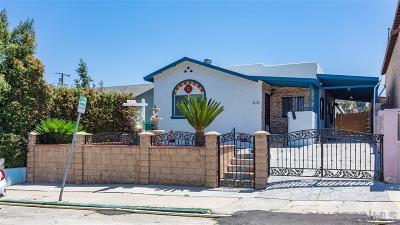 San Diego Single Family Home For Sale: 425 Milbrae St.