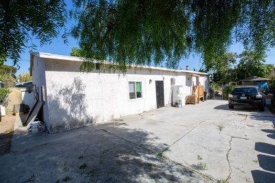 San Ysidro Single Family Home For Sale: 145 W. Hall Ave