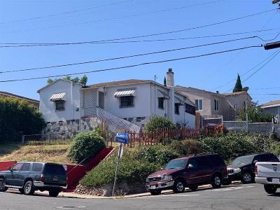 San Diego Single Family Home For Sale: 5911 Linnet St