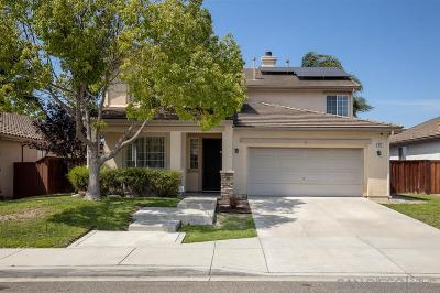 Oceanside Single Family Home For Sale: 917 Glendora Drive