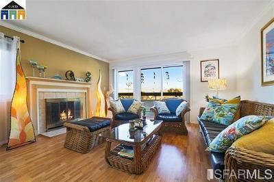 Alameda County Condo/Townhouse For Sale: 22103 Vista Del Plaz Ln
