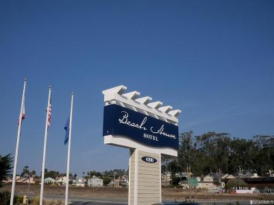 Half Moon Bay Condo/Townhouse For Sale: 4100 Cabrillo Hwy N #203