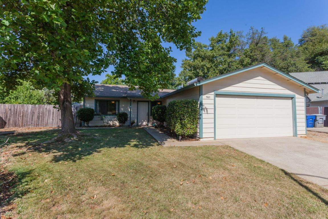 3 bed / 2 baths Home in Redding for $195,000