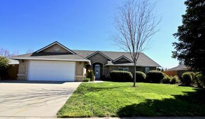 Redding CA Single Family Home For Sale: $310,900