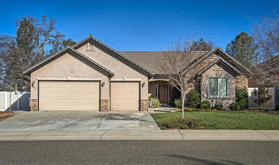 Redding CA Single Family Home For Sale: $435,000