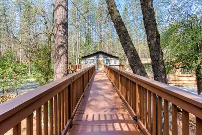 Lakehead Single Family Home For Sale: 18082 Bonanza Dr