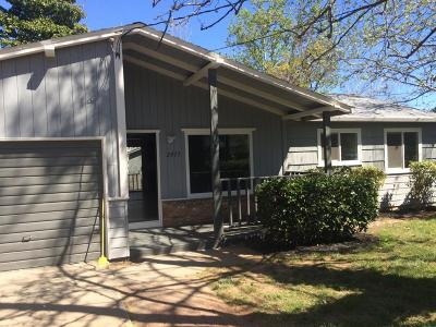 Redding CA Single Family Home For Sale: $219,500