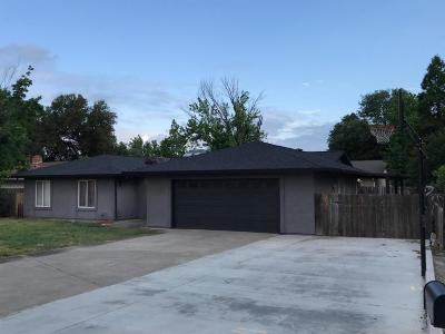 Redding Single Family Home For Sale: 1136 Woodland Terrace