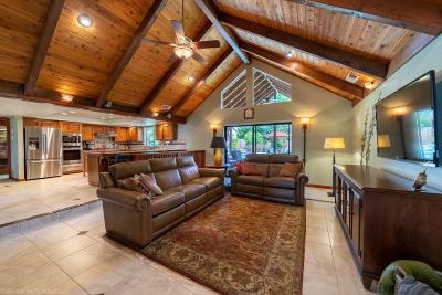 Redding Single Family Home For Sale: 3737 Sunflower Dr
