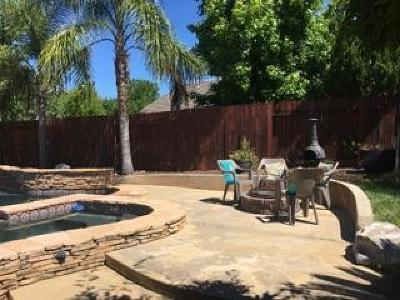 Redding CA Single Family Home For Sale: $389,900