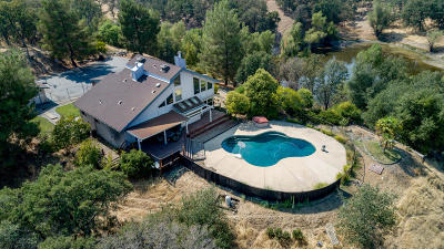 Palo Cedro Single Family Home For Sale: 8782 Maynard Rd