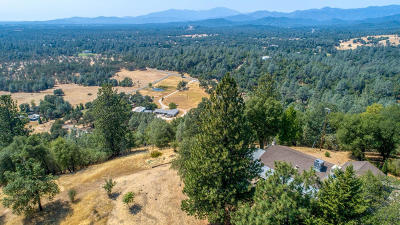 Redding Single Family Home For Sale: 13497 Old Oregon Trl