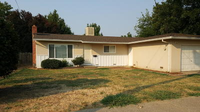 Single Family Home For Sale: 3120 Stingy Ln
