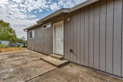 Single Family Home For Sale: 3906 Laredo St