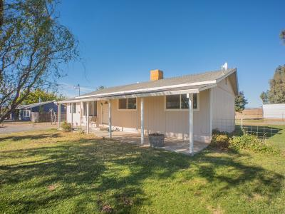 Red Bluff Single Family Home For Sale: 21708 Sacramento Ave