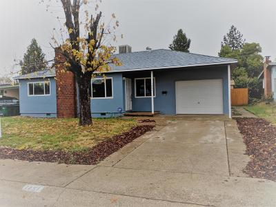 Single Family Home For Sale: 1451 Pinon Ave