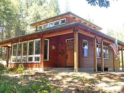 McCloud Single Family Home For Sale: 625 Oak Street