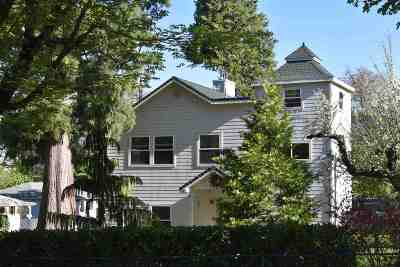 Mt Shasta Single Family Home For Sale: 200 McCloud Avenue