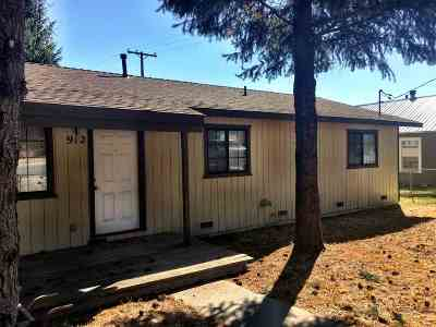 McCloud Single Family Home For Sale: 912 Oak St