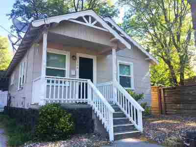 Mt Shasta Multi Family Home For Sale: 104 Sheldon