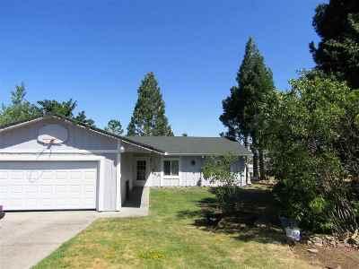 Weed Single Family Home For Sale: 304 Woodridge Ct