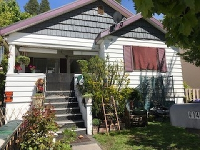 Single Family Home For Sale: 414 S Mount Shasta Blvd