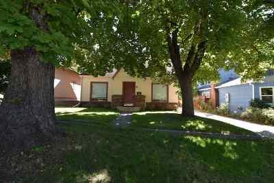 Mt Shasta Single Family Home For Sale: 305 E Lake Street