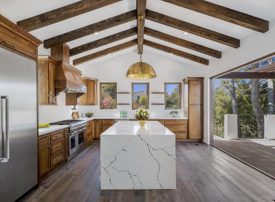 Santa Barbara County Single Family Home For Sale: 3872 Crescent Dr