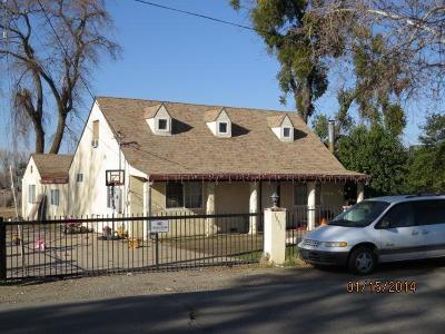 Olivehurst Single Family Home Pending Bring Backup: 1051 Grand Avenue