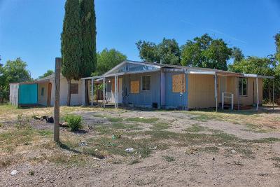Olivehurst Single Family Home Pending Bring Backup: 4912 Olivehurst Avenue #B