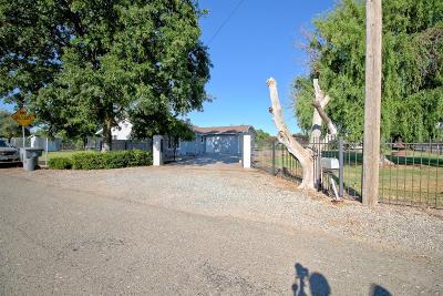 Yuba City Single Family Home Pending Bring Backup: 2014 Tudor Road