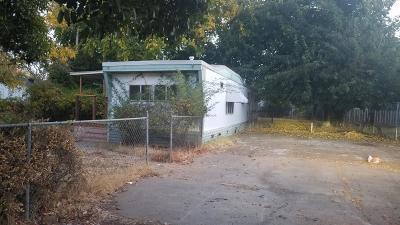 Olivehurst Single Family Home Pending Bring Backup: 1910 Chapman Avenue