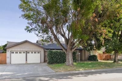 Yuba City Single Family Home Pending Bring Backup: 1629 Debra Lane
