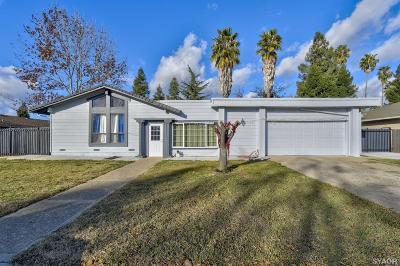 Yuba City Single Family Home For Sale: 871 Homewood Drive