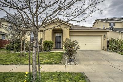 Marysville Single Family Home Pending Bring Backup: 5527 Ravine Court