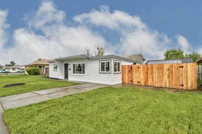 Marysville Single Family Home Pending Bring Backup: 1723 Buchanan Street