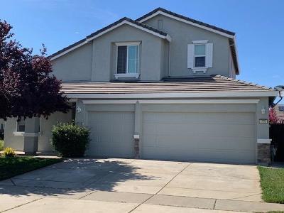 Marysville Single Family Home Pending Bring Backup: 1755 Shoreline Drive