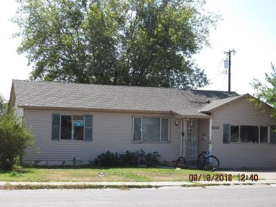 Marysville Single Family Home For Sale: 906 East 19th Street