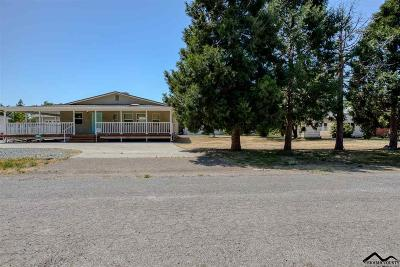 Red Bluff Single Family Home For Sale: 557 Sykes Avenue