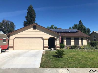 Red Bluff Single Family Home For Sale: 840 Village Drive
