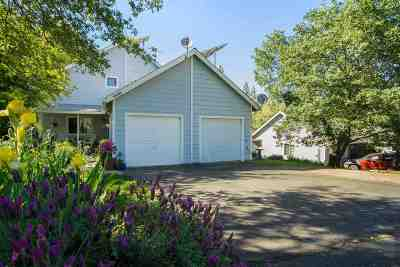 Single Family Home For Sale: 16999 Oak Hollow Circle