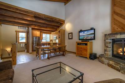 Truckee Condo/Townhouse For Sale: 5021 Gold Bend #1