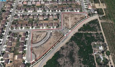 Visalia Multi Family Home For Sale: 4233 E Burrel Drive