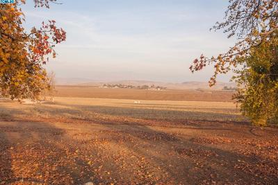 Tulare County Residential Lots & Land For Sale: Ave 72