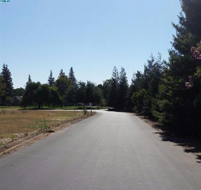 Tulare Residential Lots & Land For Sale: Redbud Drive