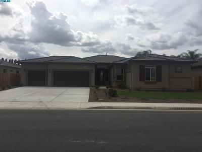 Bakersfield Single Family Home For Sale: 9113 Claro De Luna Drive Drive