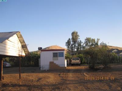Porterville Single Family Home For Sale: 18363 Road 243