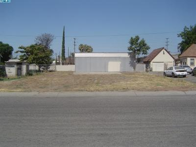 Tulare County Residential Lots & Land For Sale: 31 S Chess Terrae