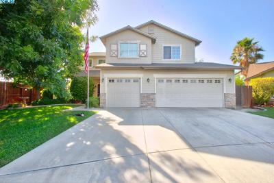 Hanford Single Family Home For Sale: 3296 Fountain Plaza Court